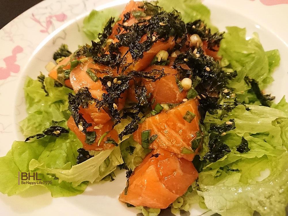 コストコ食材レシピメニューブーケレタス、サーモン、韓国のりフレーク、